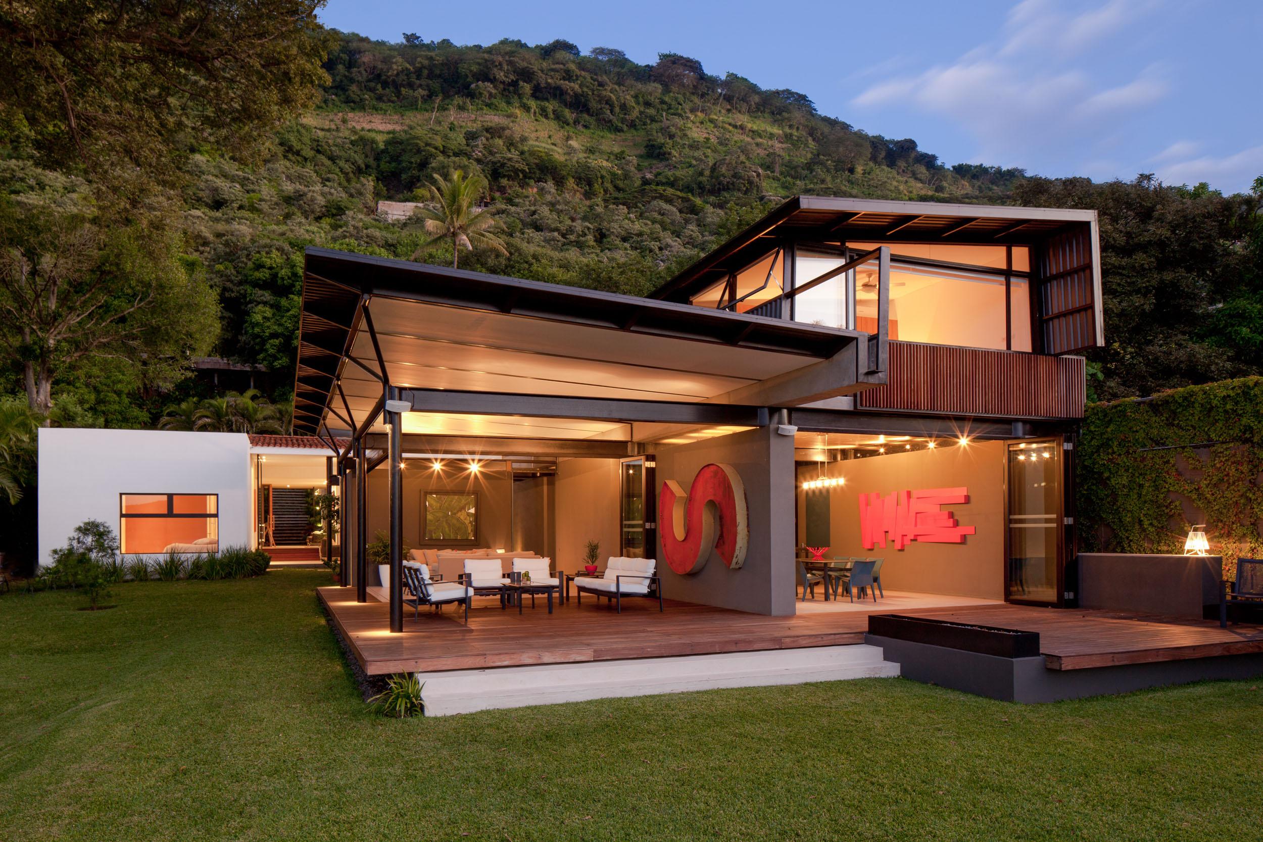 Jason_Bax_SQ_Lake_House_El_Salvador_Architecture_MG_0277.jpg