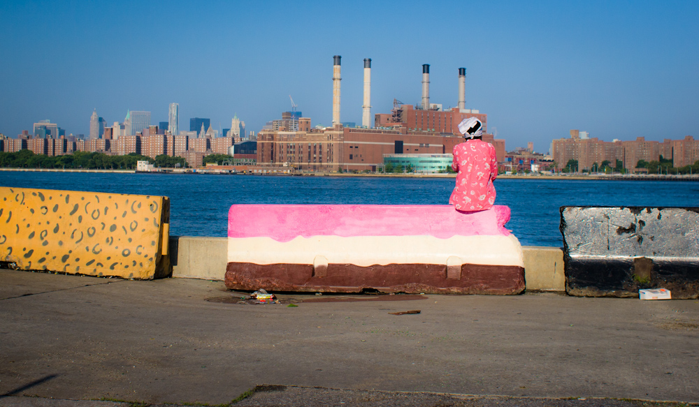 I shot that photograph very early in the morning, around 7 am at the end of an empty street of Long Island City. A strange but delightful touch of colors in that industrial background.