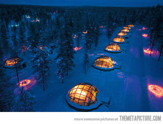 Kakslauttanen Igloo Villiage in Finlad.jpg
