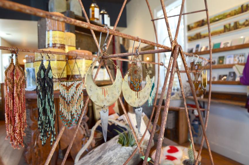 Kitkitdizzi - Nevada City, California via jenniferesnyder.com/blog