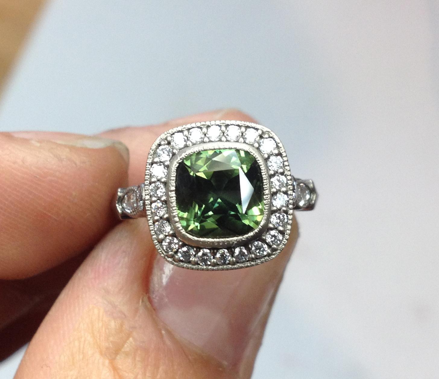 Amoli Ring, 18kt White Gold, Green Sapphire, white diamonds