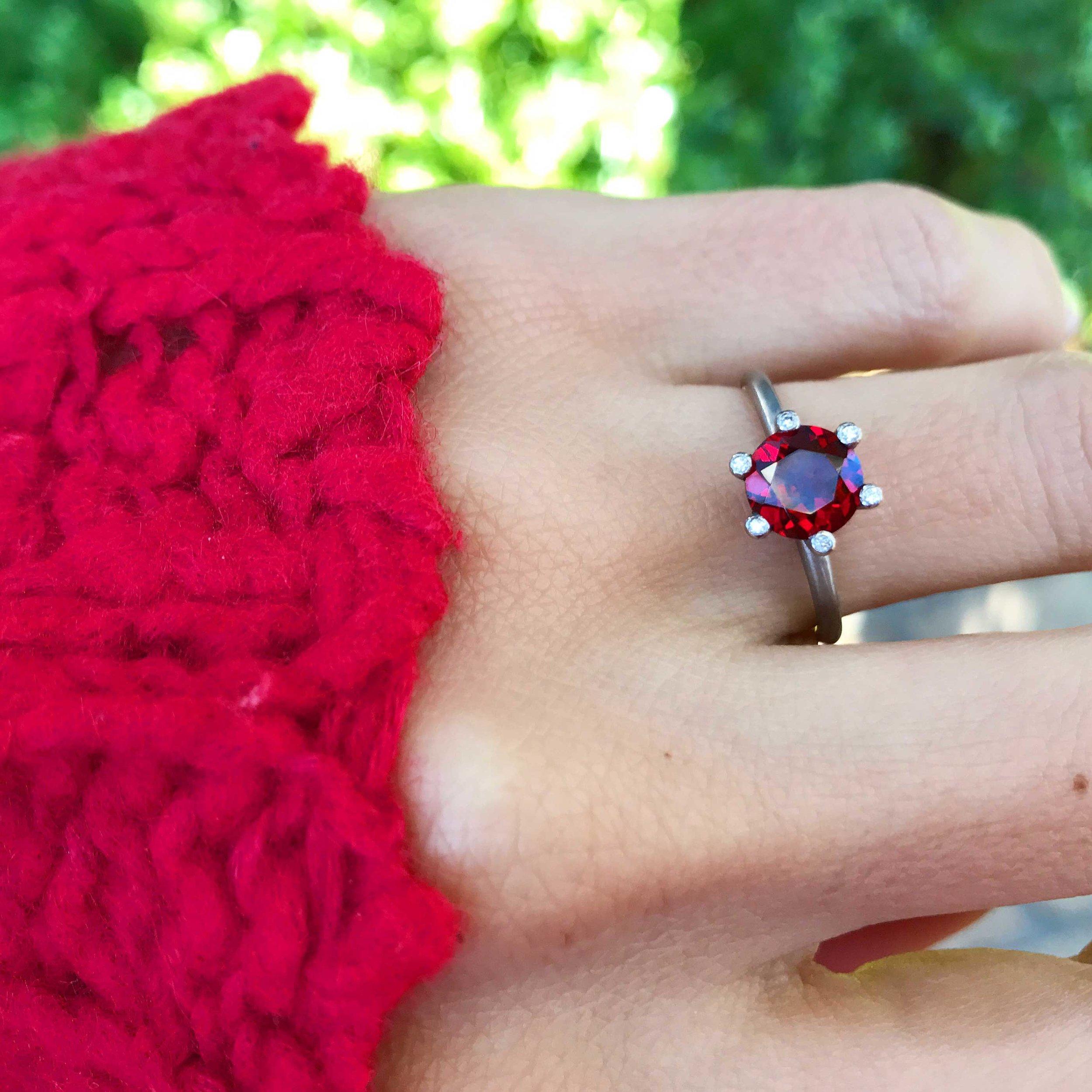 'Roman de la Rose' Garnet Solitaire Ring