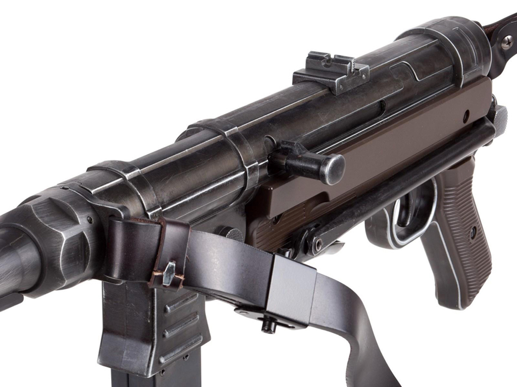 Umarex MP40 Weathered  BB Machine Gun Right Bolt.jpg