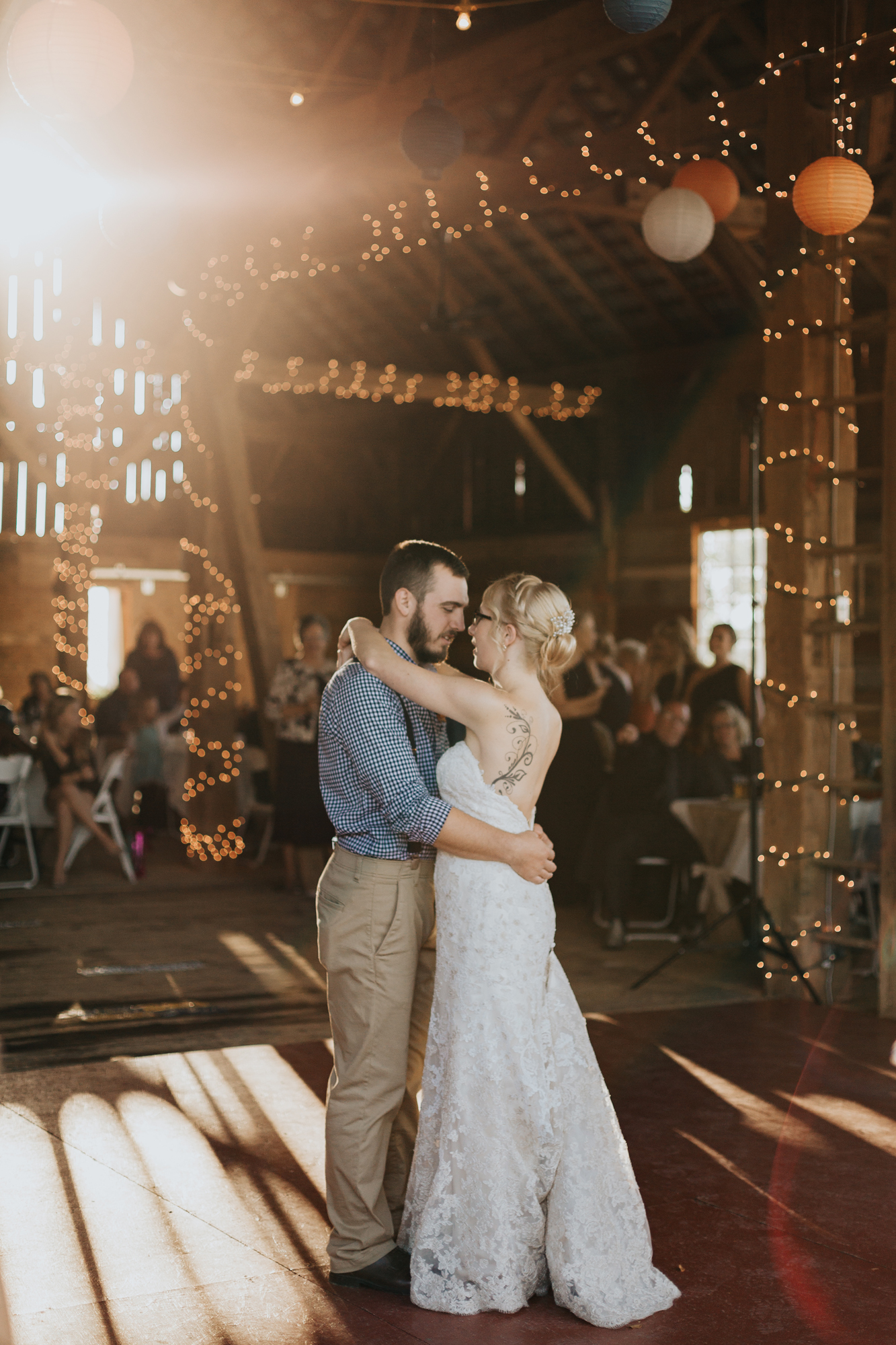 bride-and-groom-first-dance-wedding-day-photography
