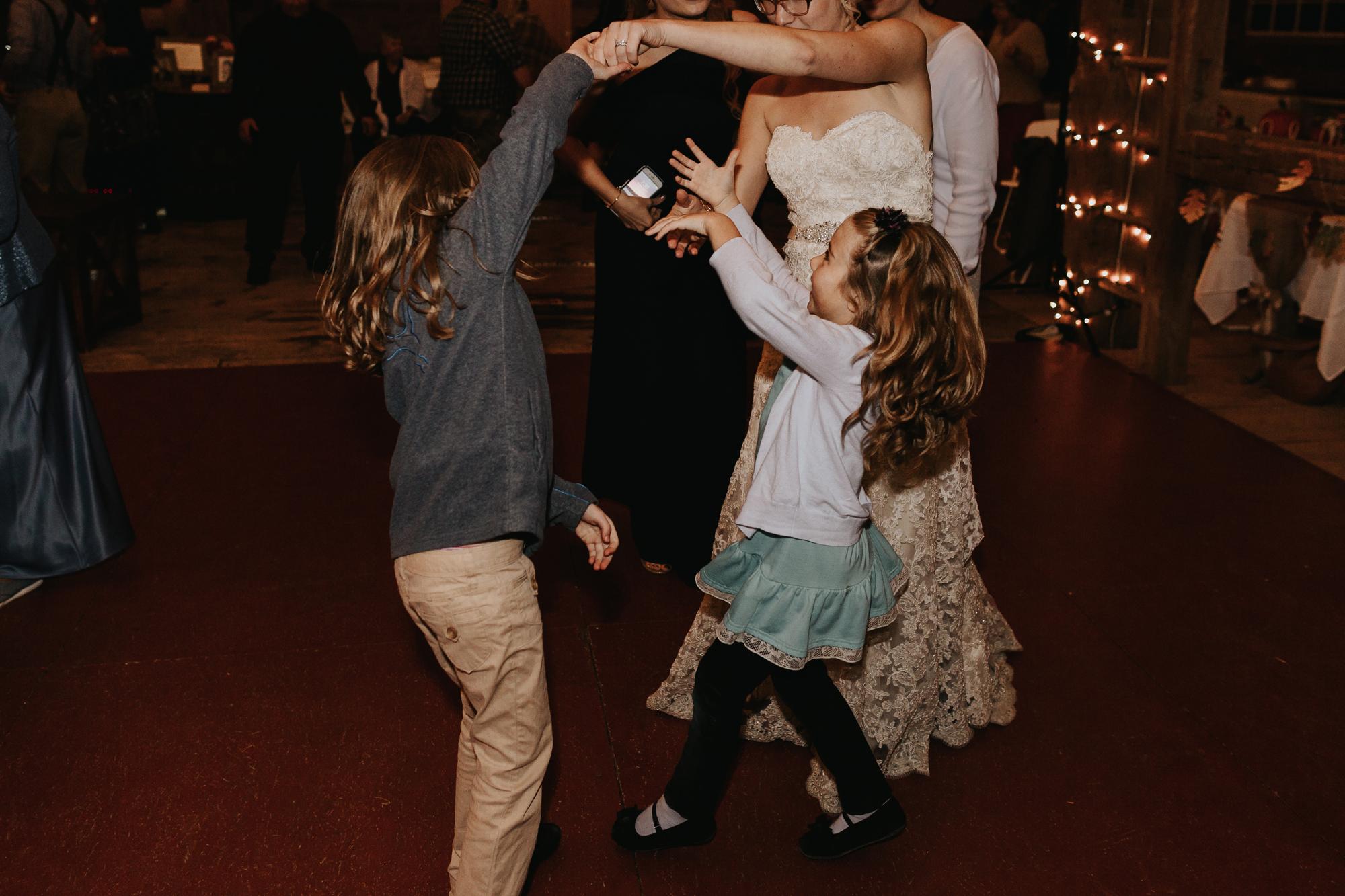dancing-at-reception-hall-at-the-farm-at-beeber-drive-eastern-pa