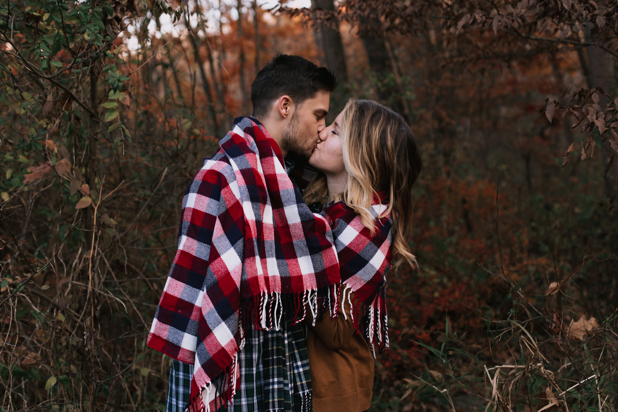 kissing-couples-photography-session-tristate-area