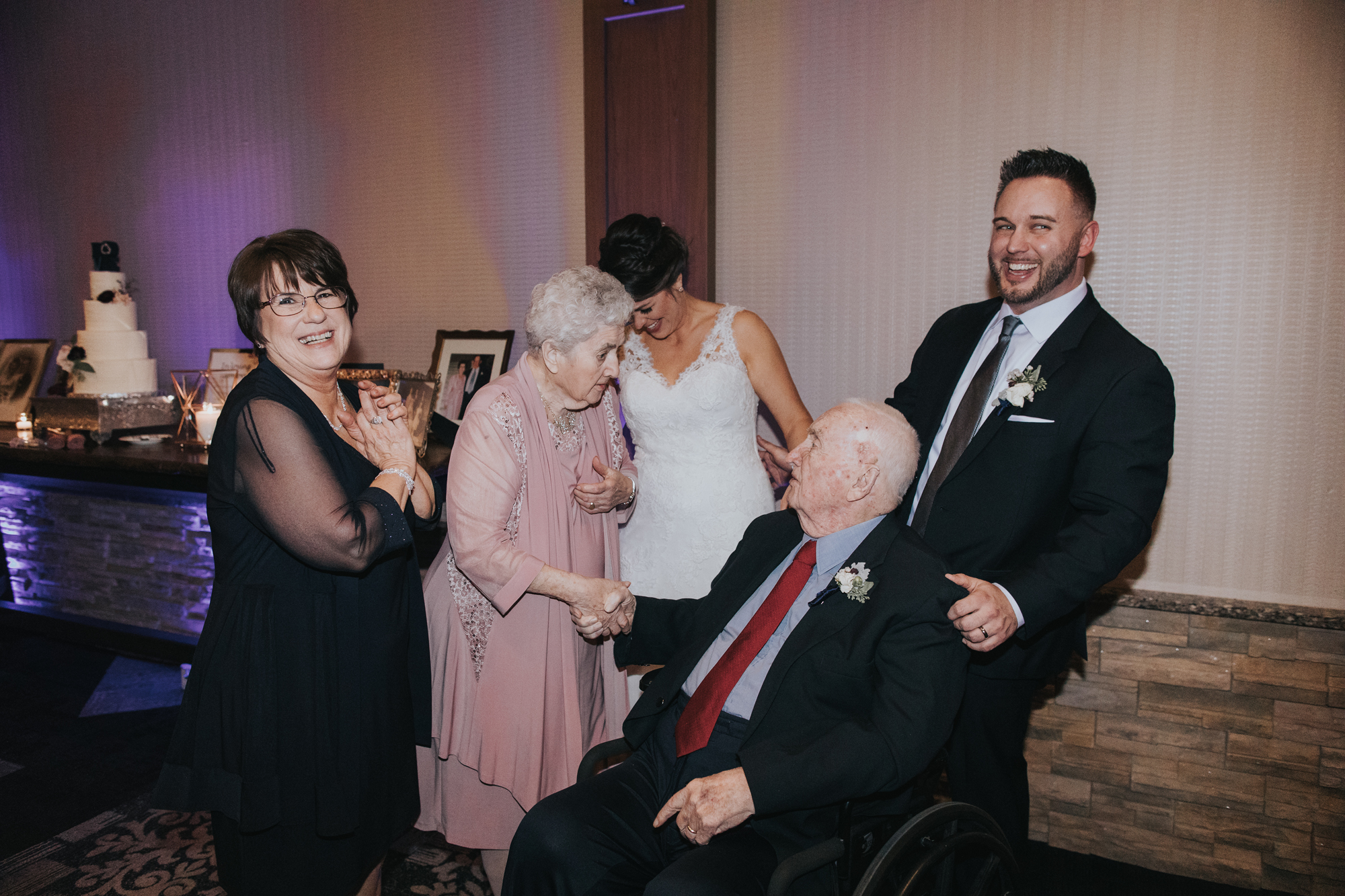 wedding-reception-family-candid-blue-mountain