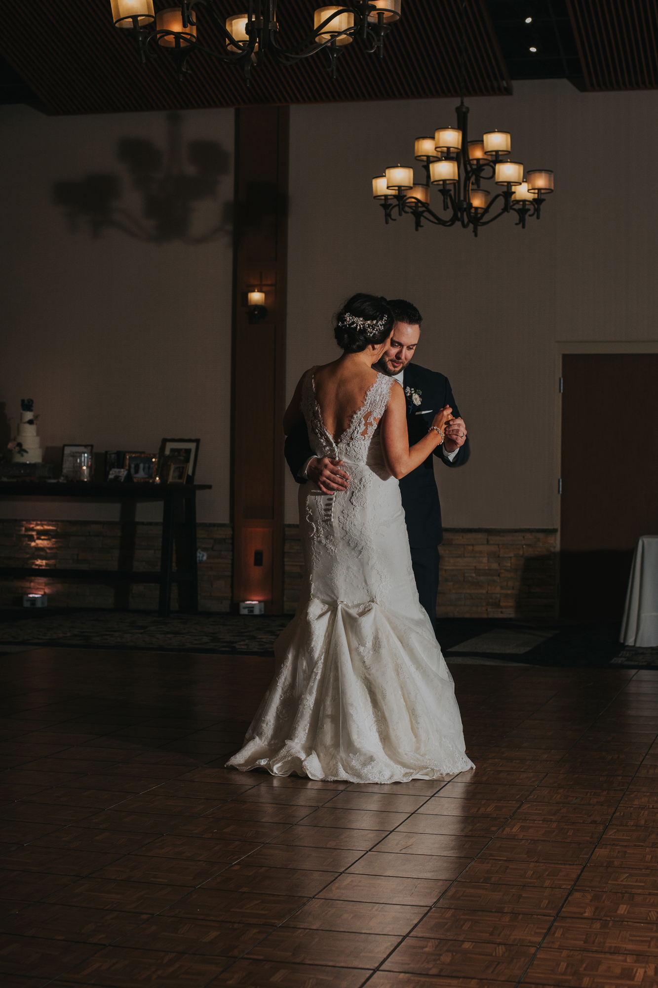 first-dance-blue-mountain-reception-hall-wedding-day-photgoraphy
