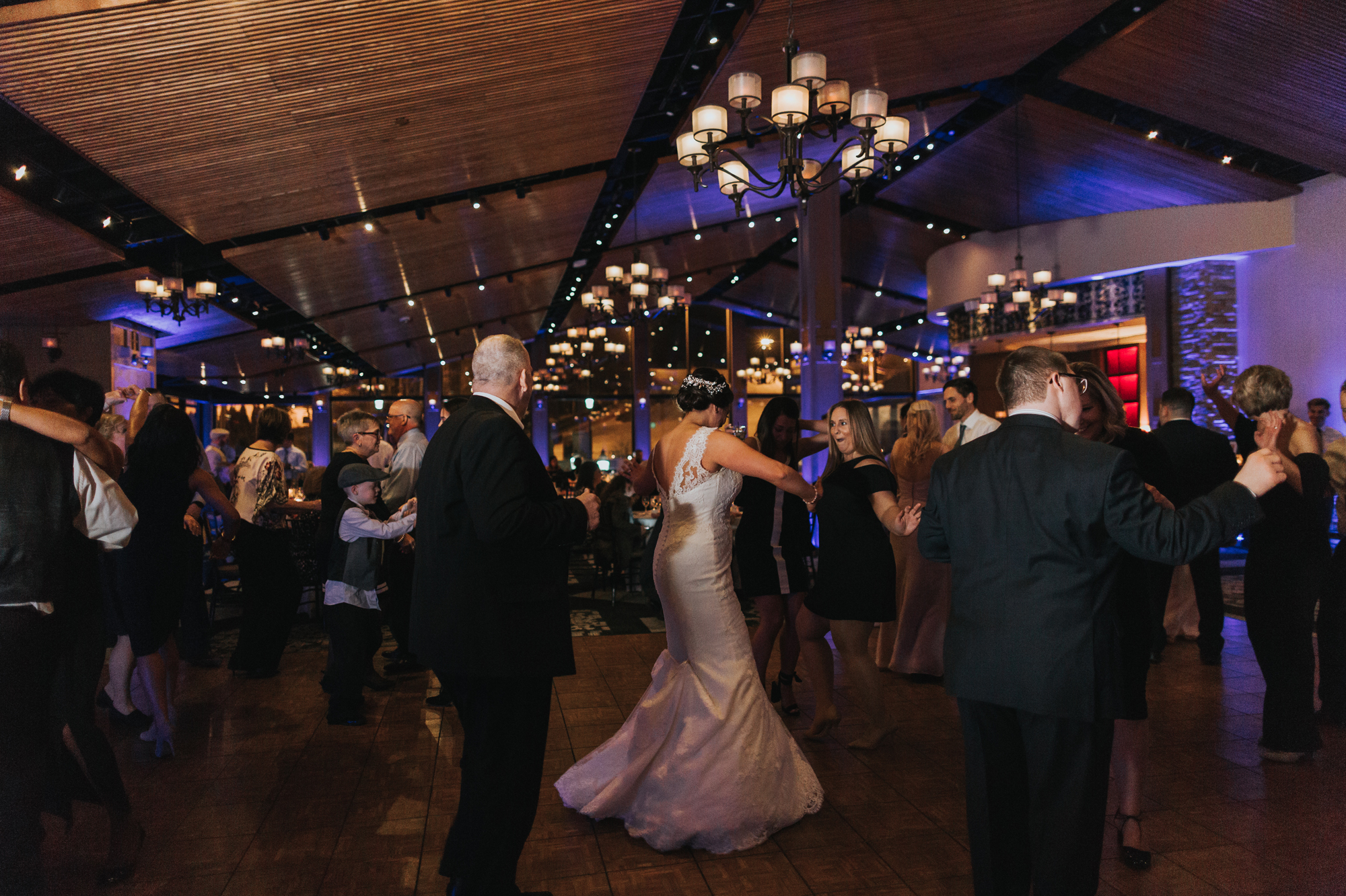 blue-mountain-ski-retreat-wedding-reception-hall