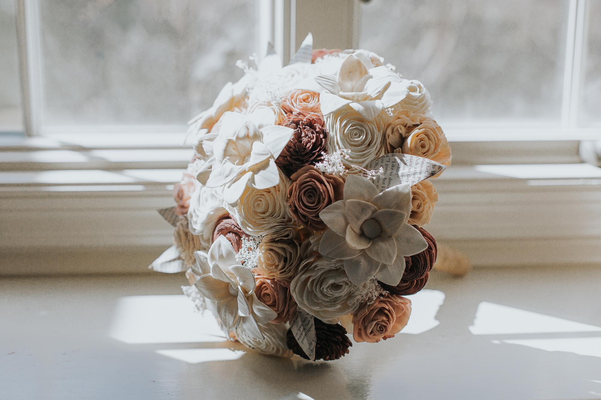 wood-flower-bouquet-wedding-day-decor-photography