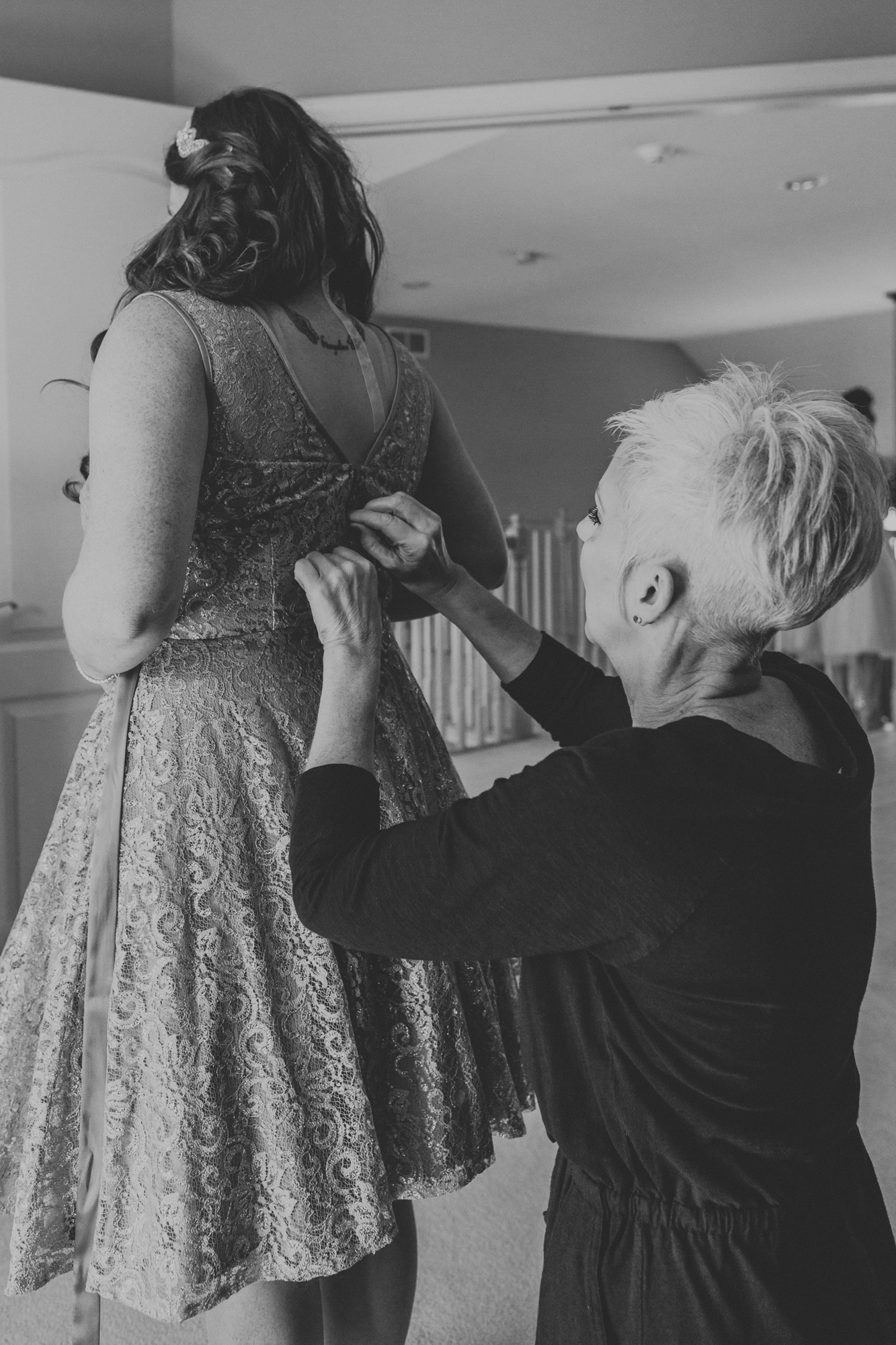 getting-into-wedding-dress-photography