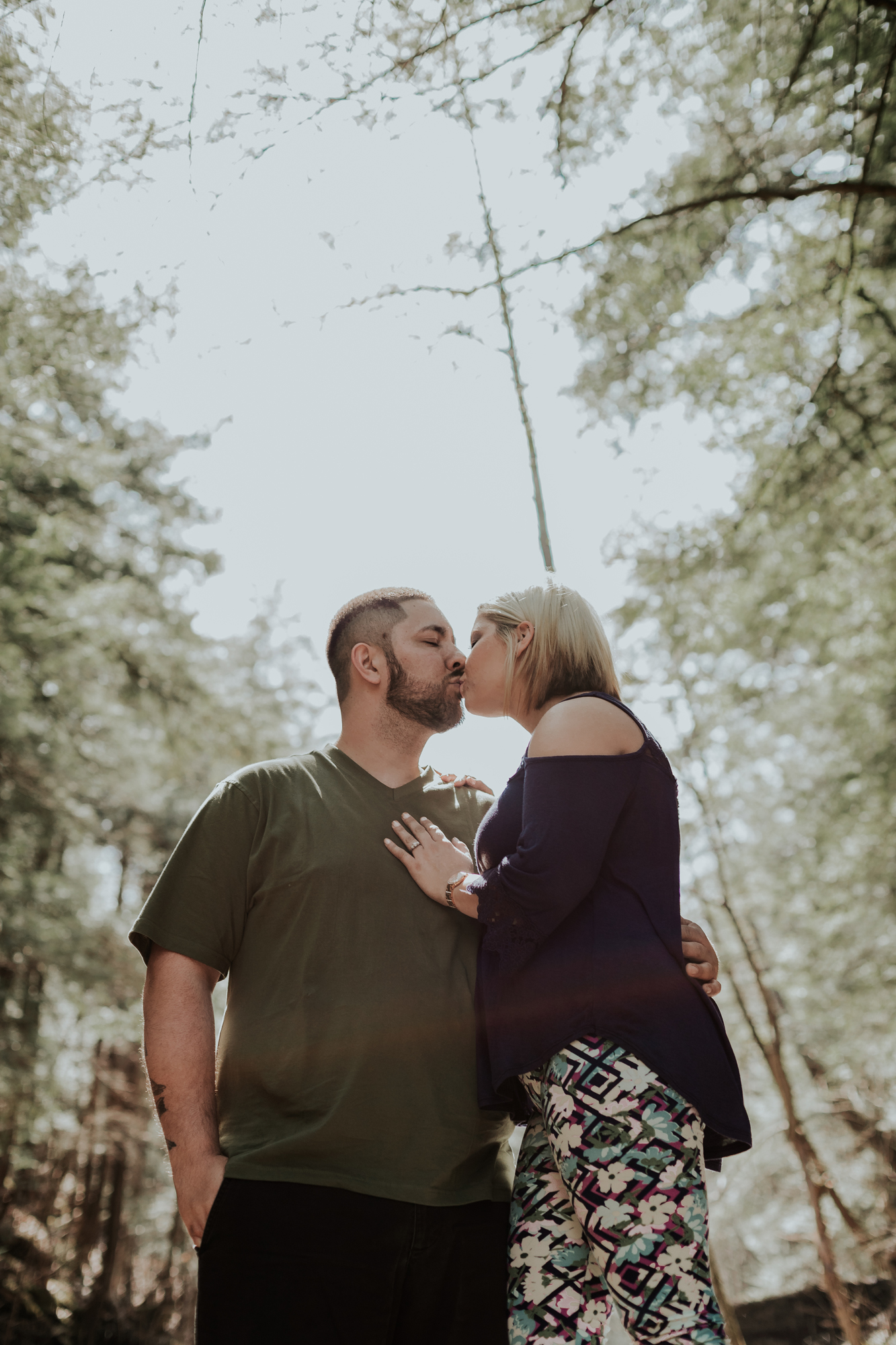 engagement-photography-kiss-buttermilk-state-park-ny