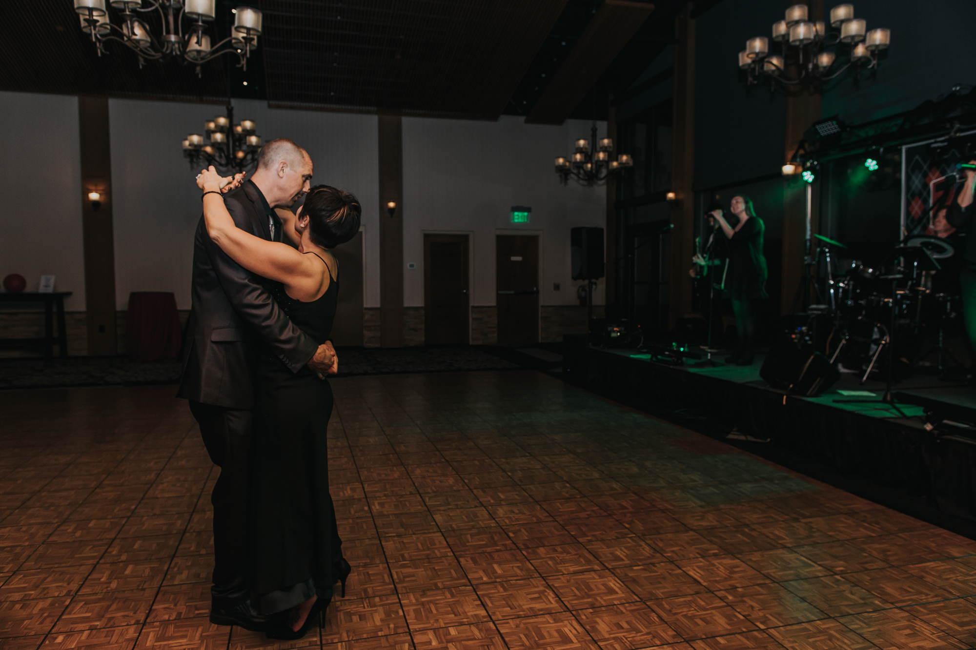 jdrf-slow-dance-reception-photography-lehigh-valley-pconos