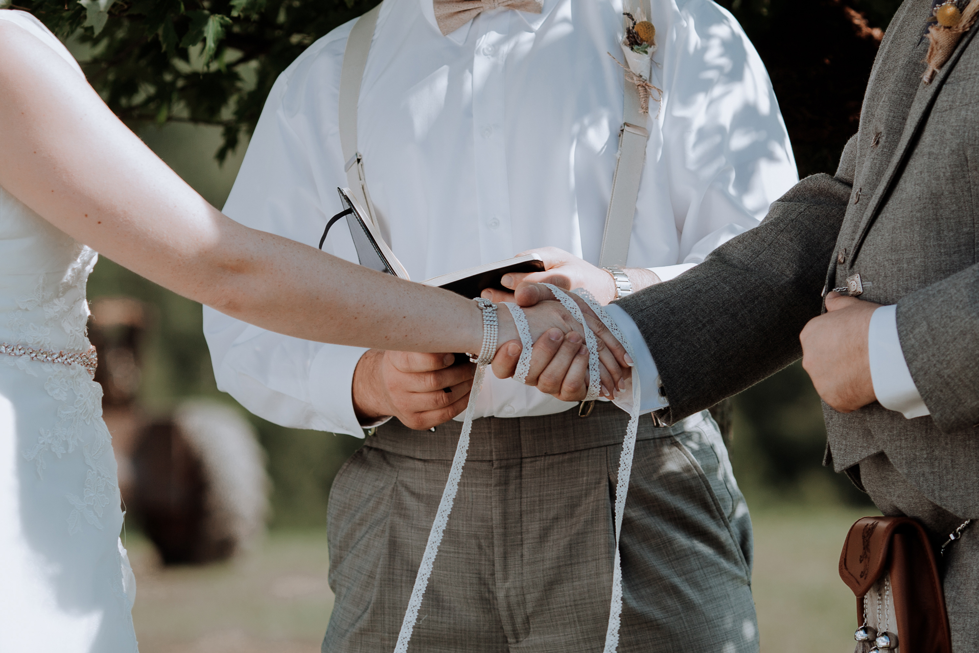 lehigh-valley-hand-fasting-wedding-tradition-photography