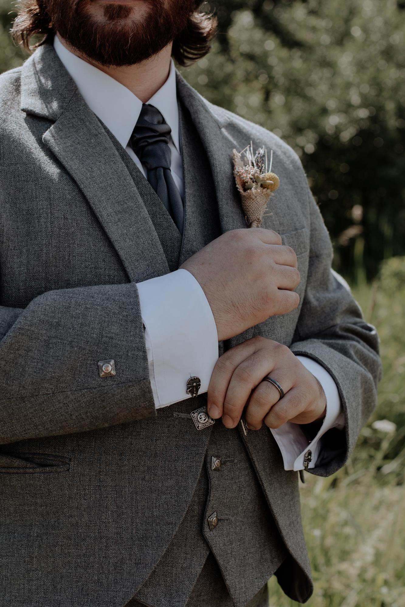 groom-portrait-closeup