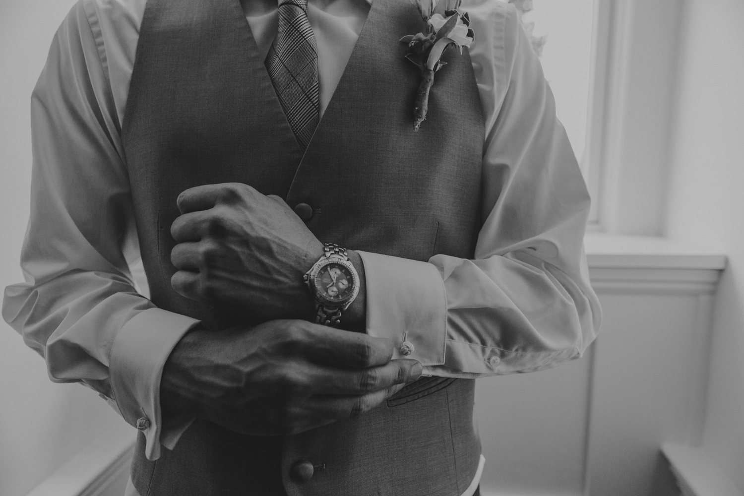 groom-portrait-detail-silver-creek-country-club