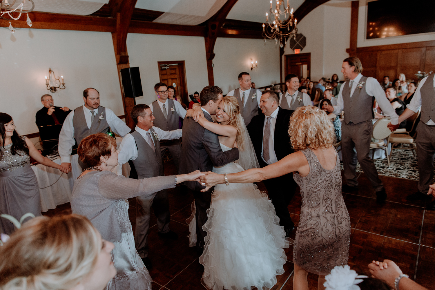 silver-creek-country-club-bride-and-groom-wedding-dance-photography