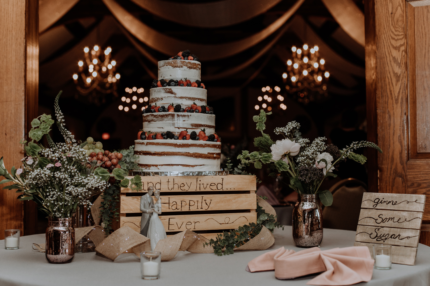 silver-creek-country-club-bride-and-groom-reception-cake-photography