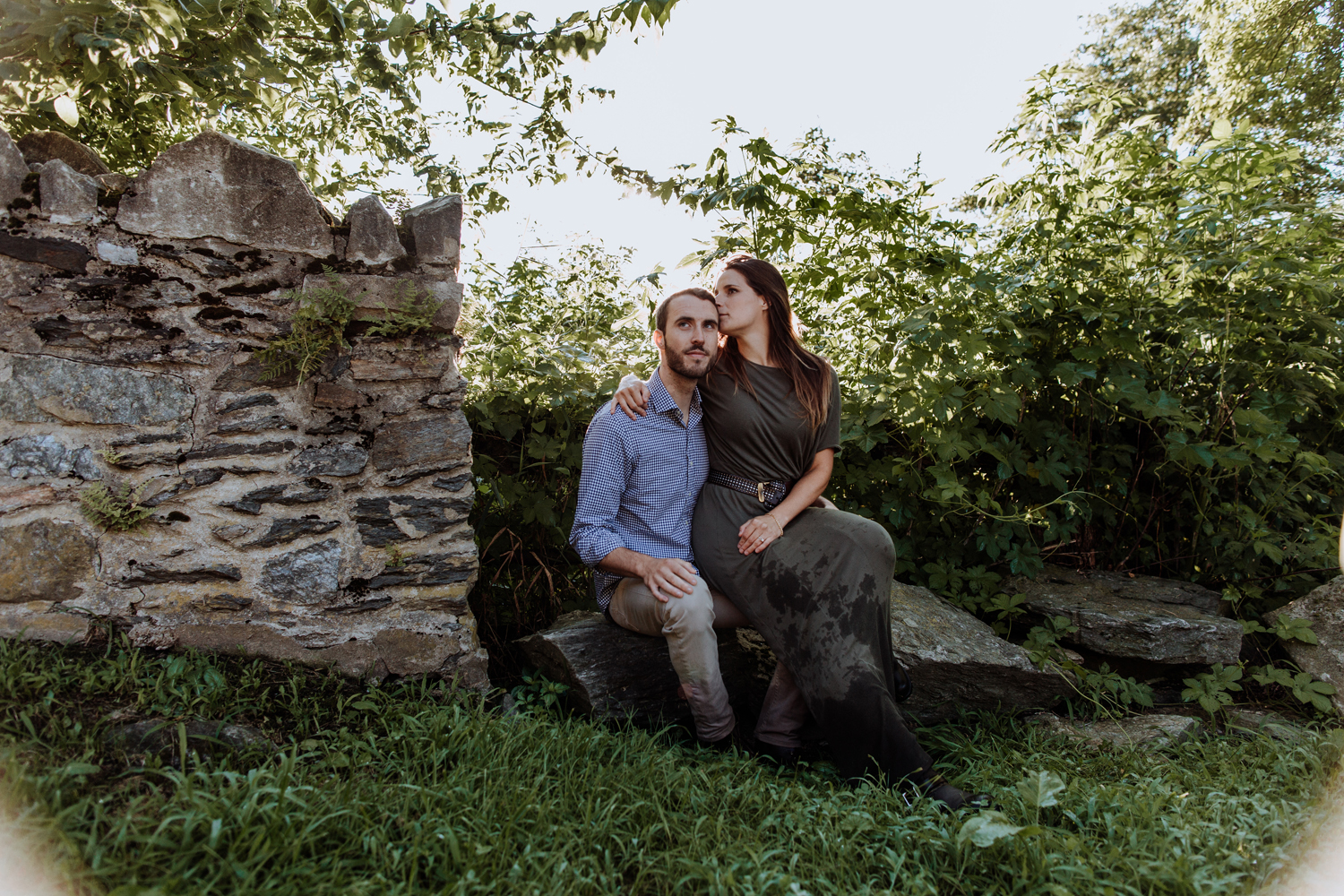 the-laurels-preserve-brandywine-conservancycoatesville-pa-sunrise-engagement-photography-rock-wall