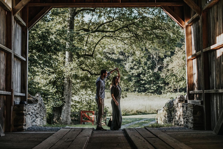 lehigh-valley-pa-sunrise-engagement-photography