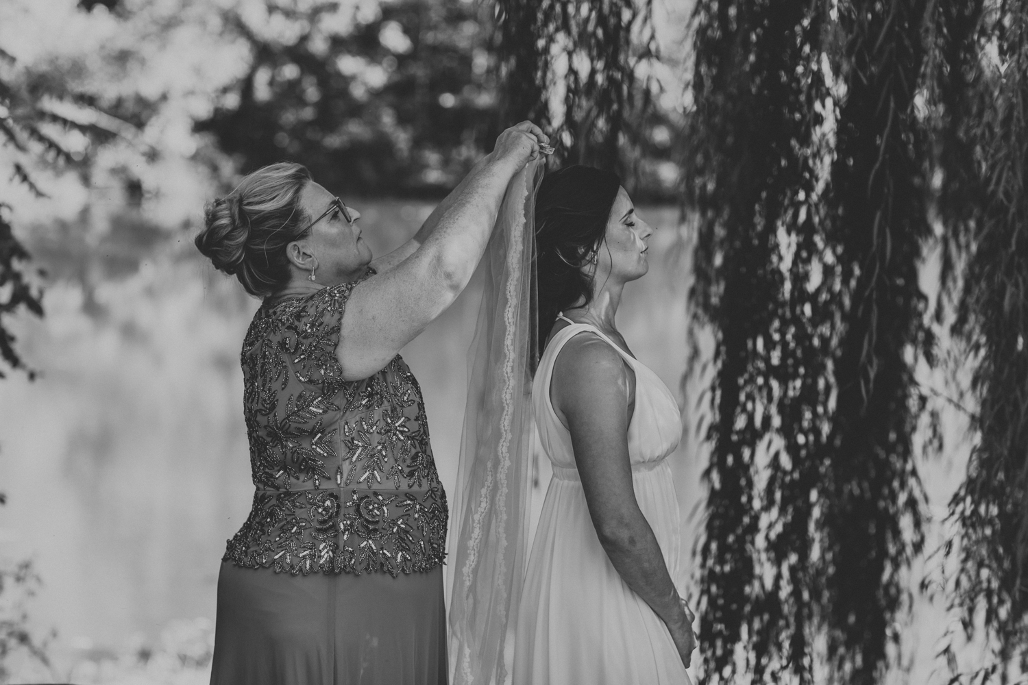 pine-grove-pennsylvania-wedding-day-photography-mom-and-daughter