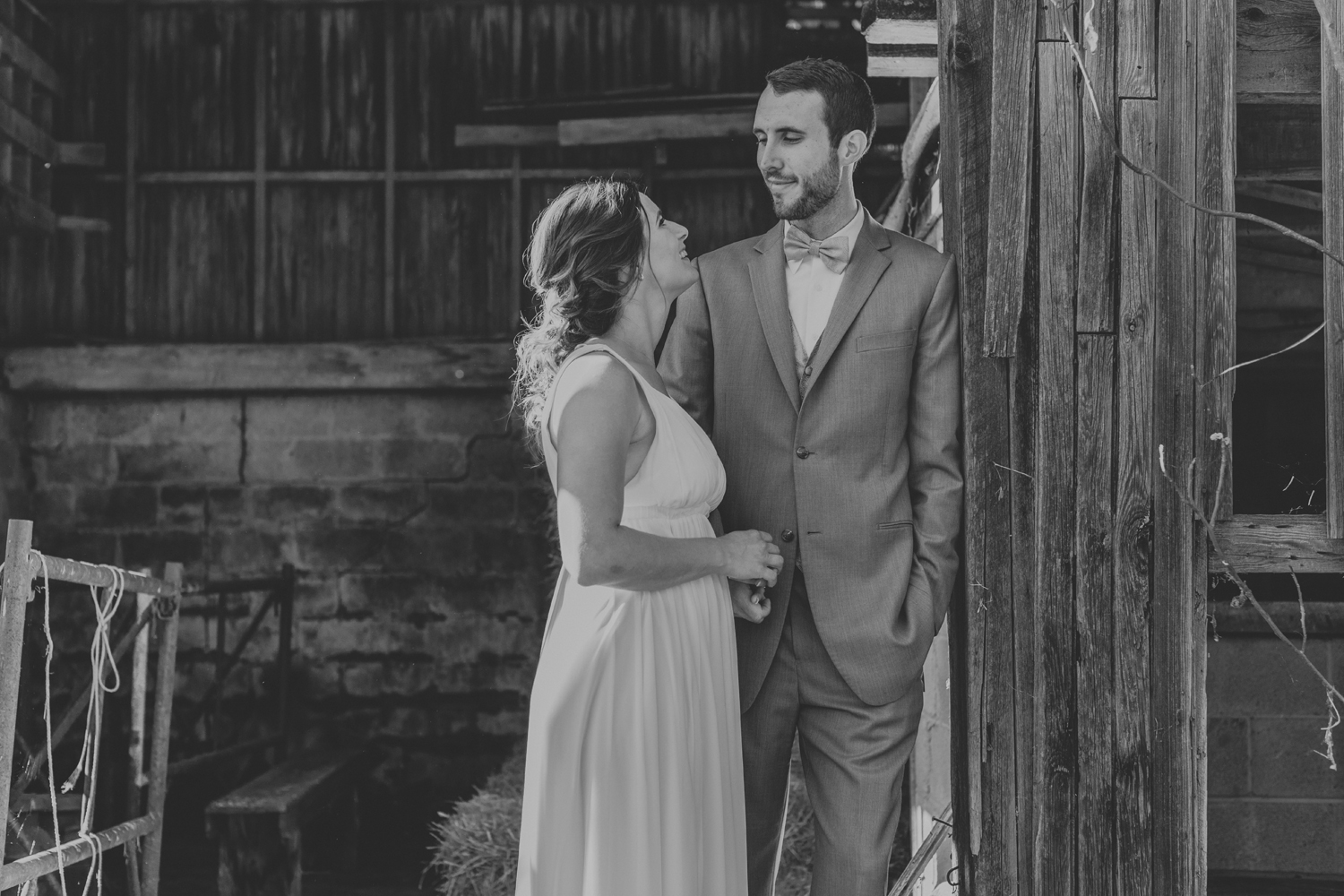 lehigh-valley-barn-wedding-photography-couple