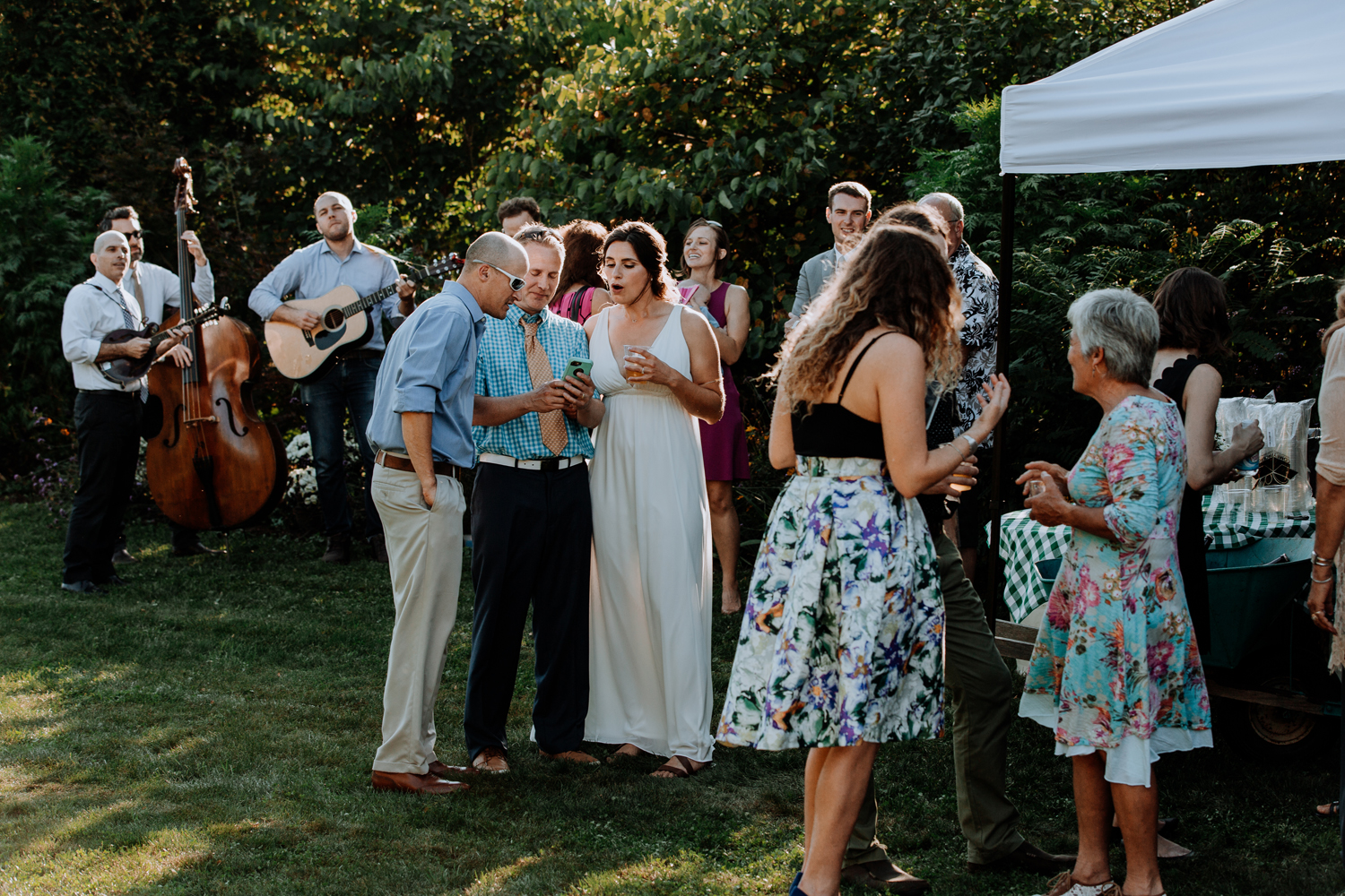 candid-lehigh-valley-easton-pa-wedding-cocktail-hour-photography