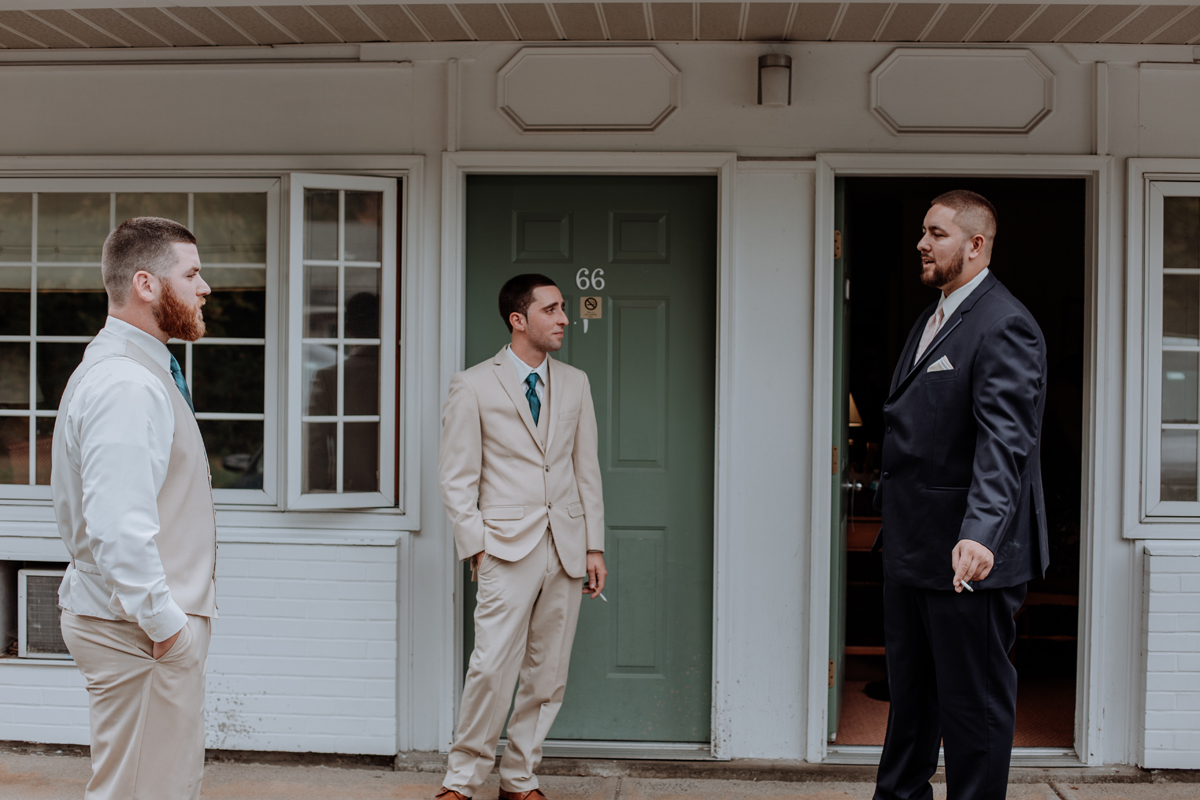 the-beeches-conference-center-and-inn-getting-ready-guys-photography