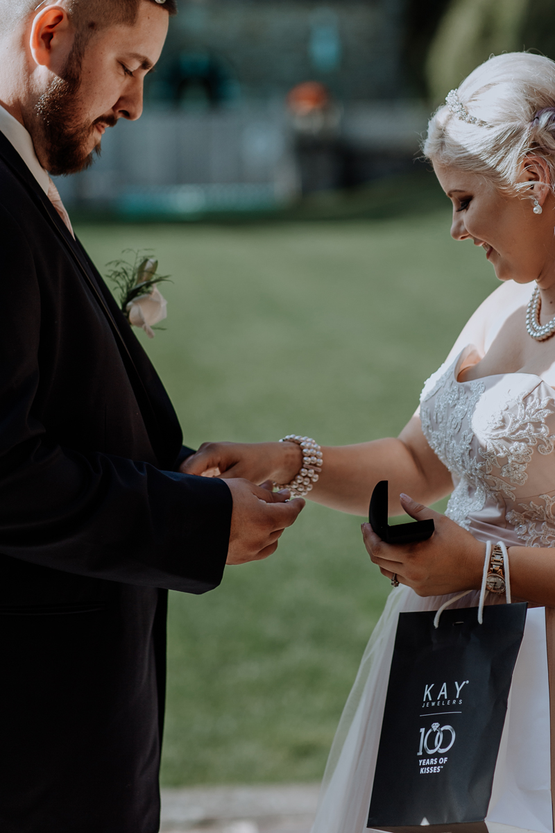 the-beeches-conference-center-and-inn-wedding-photography-first-look-detail
