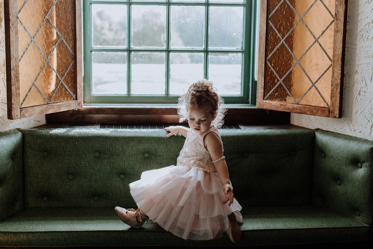 the-beeches-conference-center-and-inn-wedding-photography-child
