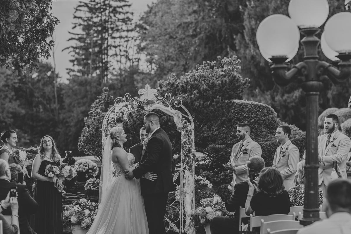 rome-ny-wedding-photography-the-beeches-inn-4