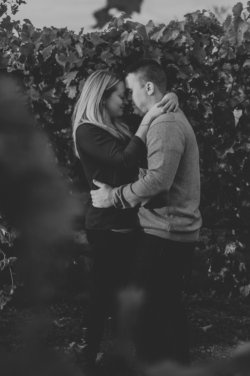 franklin-hill-vineyard-engagement-session-photography-black-and-white