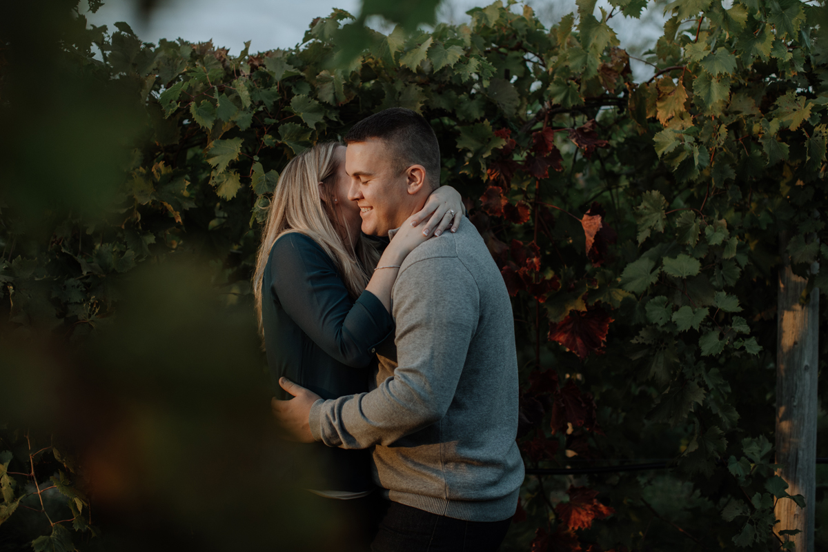 franklin-hill-vineyard-engagement-session-photography-intimate