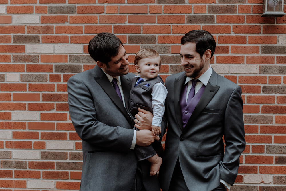 candid-getting-ready-family-photo-king-of-prussia