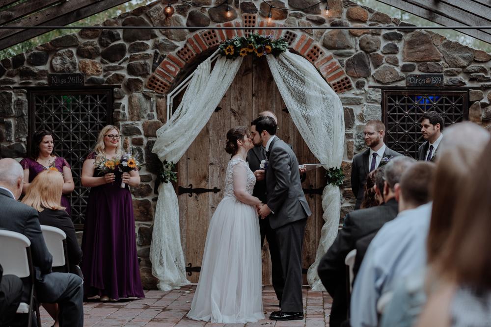 kings-mills-wedding-photography-first-kiss