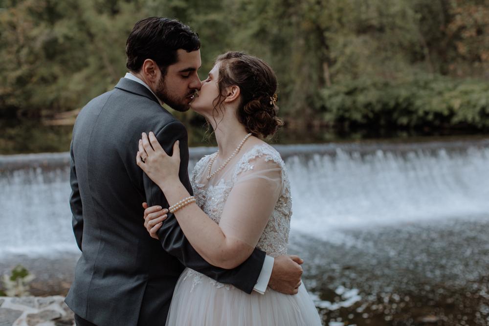 kings-mills-waterfall-wedding-photography-3