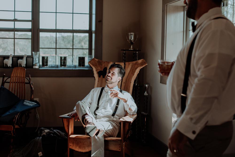woods-edge-alpaca-farm-wedding-photo-getting-ready-groom