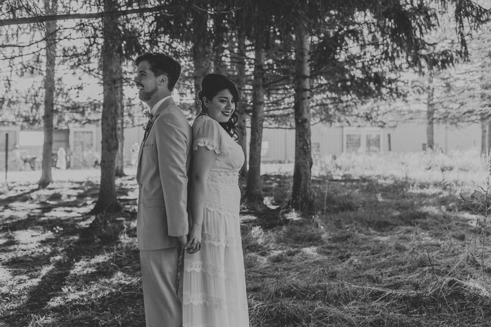 woods-edge-alpaca-farm-wedding-photography-first-look-2