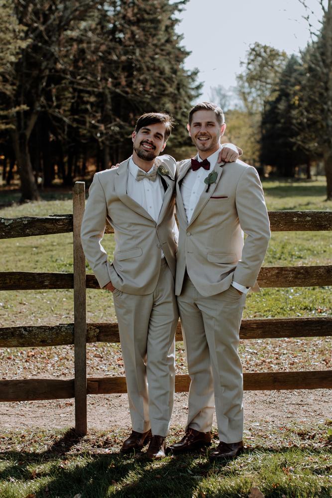 woods-edge-alpaca-farm-wedding-photography-groomsmen