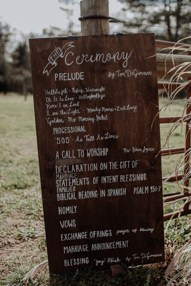 woods-edge-alpaca-farm-wedding-photography-decor
