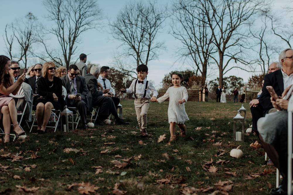 woods-edge-alpaca-farm-wedding-photography-kids-2