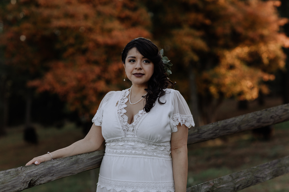 woods-edge-wools-alpaca-farm-stockkton-new-jersey-photography-bride-portrait