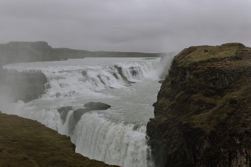 gullfoss-waterfall-golden-circle-traveling-iceland