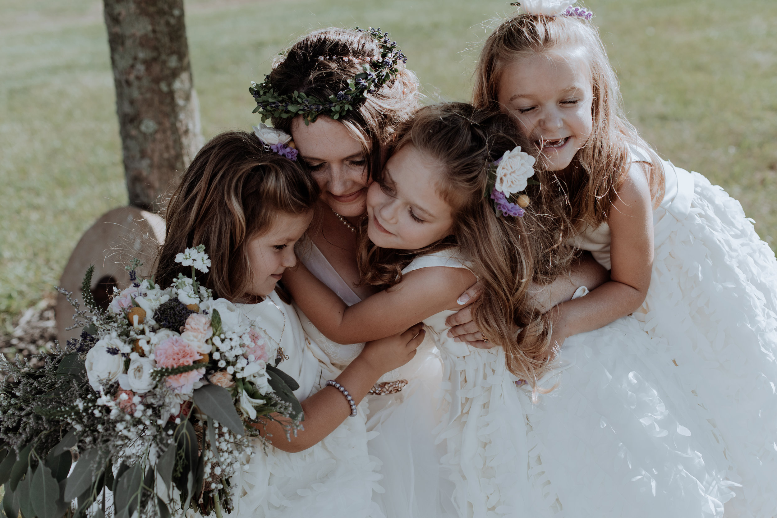 bride-and-cute-flower-girls-summer-bohemian-wedding