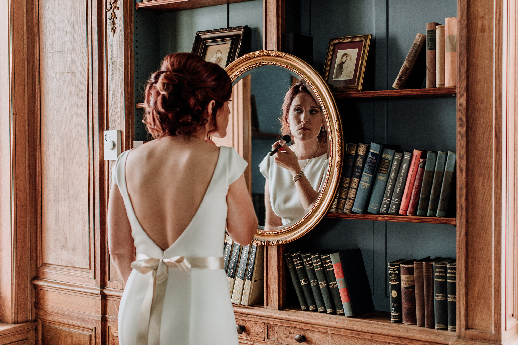 cairnwood-estate-wedding-bride-getting-ready-philly