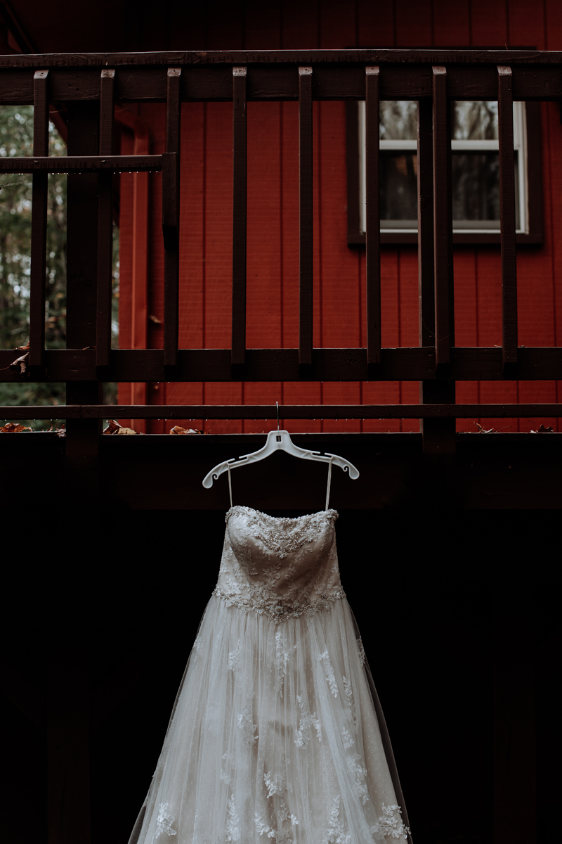 poconos-pa-wedding-photography-dress-shot