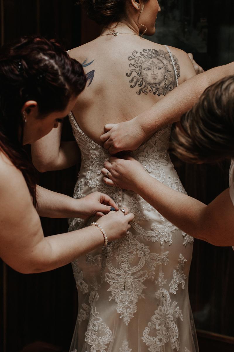 getting-in-wedding-dress-lehigh-valley-photographers