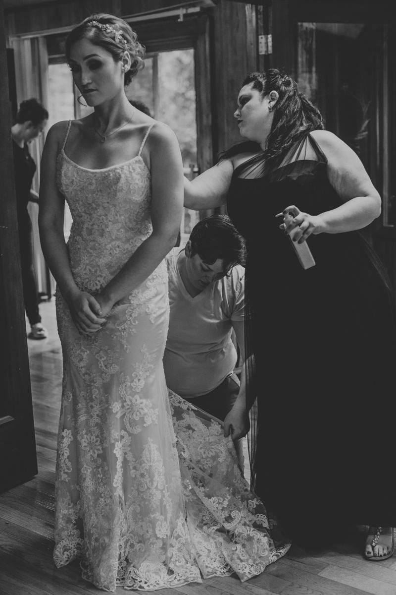 getting-in-wedding-dress-lehigh-valley-wedding-day-photographers