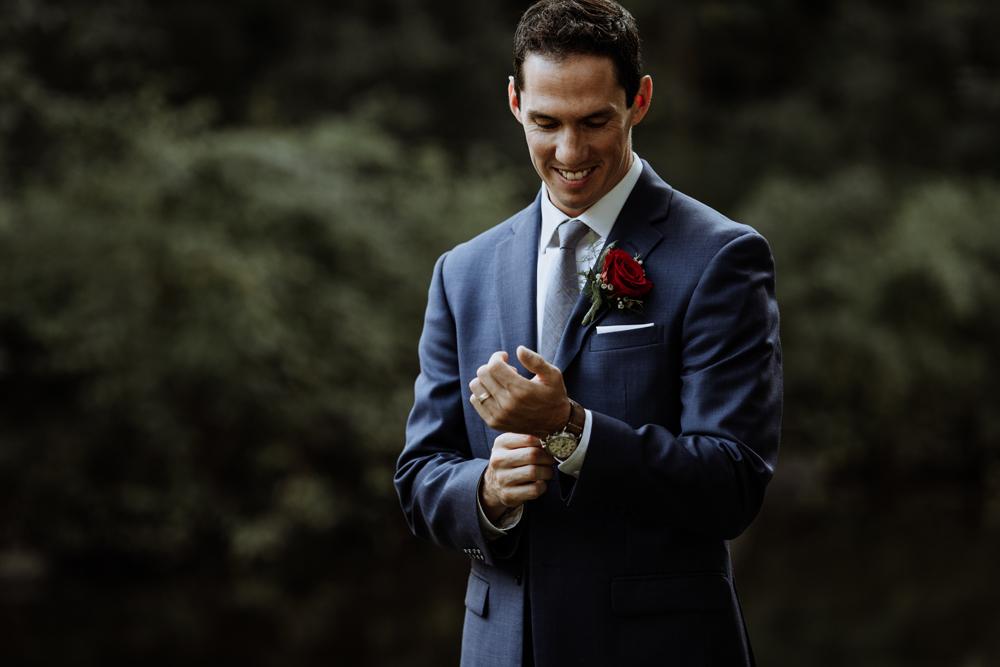 lehigh-valley-style-wedding-photography-groom-candid