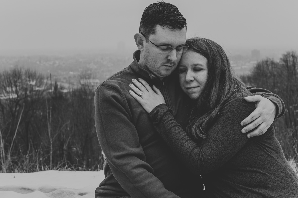 local-lehigh-valley-university-lookout-engagement-photographers-blk-and-white
